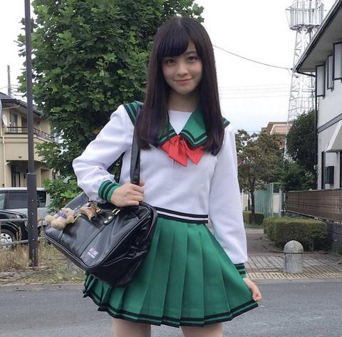 【悲報】橋本環奈さん、もう制服を着てもコスプレ臭しかしない……