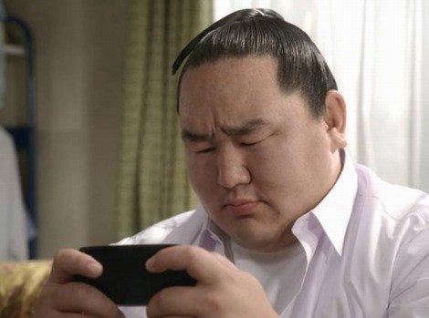 【朗報】朝青龍「日本帰りたい...」