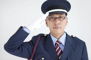 【衝撃】警察官に「敬礼」すると返してくれる理由wwwwwwwww