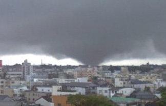 東京都に竜巻注意情報が発令!激しい突風や急な強い雨に気をつけろ!
