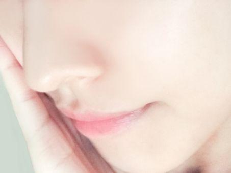 【愕然】ワイ「鼻の毛穴が気になるな、洗顔剤使ってみるか」→ とんでもないことになる・・・