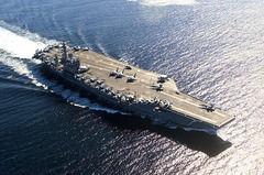 現在航空母艦持っててもただの大きい巡航ミサイルの的じゃないか?