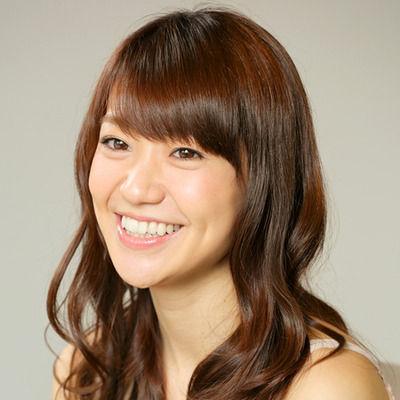 大島優子「初めての熱愛写真」イケメン米国人と手つなぎデート