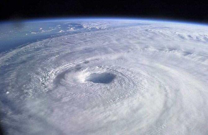 おい!台風直撃するの関東じゃなくて・・・・・