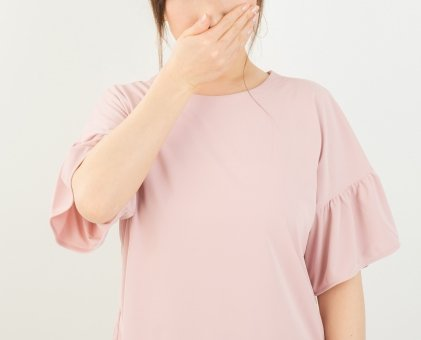 【画像】 小栗さんの私服が変態すぎると話題にwwwwwwwwwwwwwwwwwwwwwwwwwwwwww