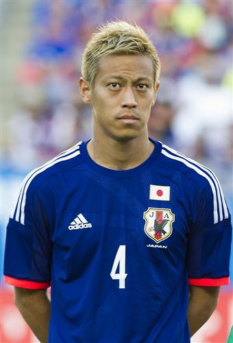 【サッカー】<本田圭佑>「100人は海外に行って、50人がレギュラーで、そこから代表のレギュラーを選ぶぐらいにならないと」