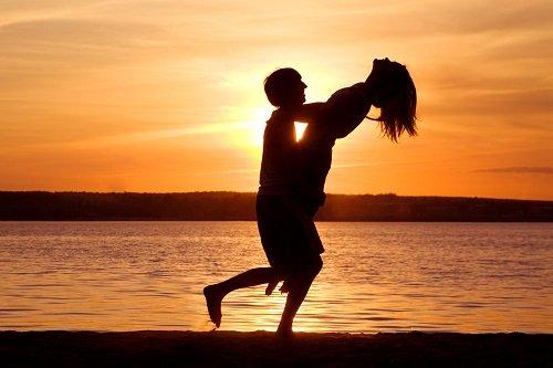 【閲覧注意】男女が激しく抱き合った結果wwwwwwww(gif動画)