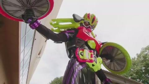 エグゼイド4話 自転車フォーム