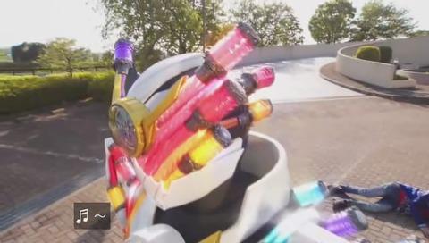 仮面ライダービルド「ジーニアスフォーム」変身シーン 画像