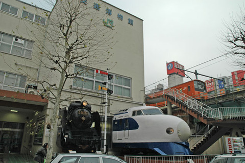 http://ginjoaruku.web.fc2.com/06-02/mansei/hakubutukan_mae.jpg