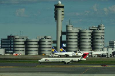 20111121_0319羽田MD-90SM