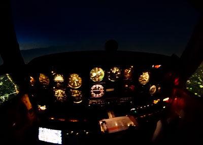 P1015650ナイト操縦席SM