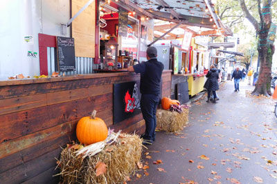20161026DSCN5795Food-carts-portlandSM