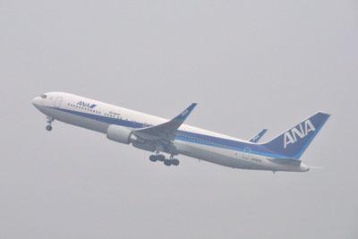 20111122_0470青島ANAB767ウ