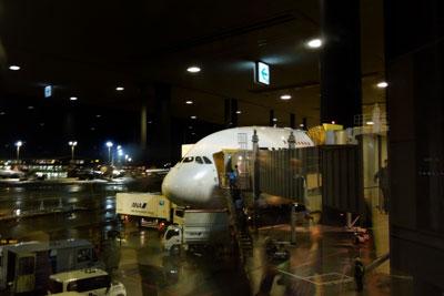20120310_0883成田到着SM