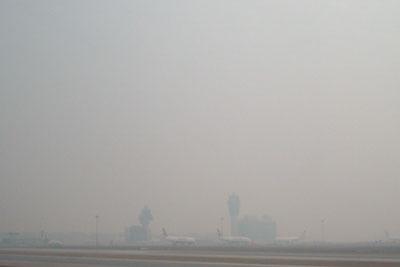 201220DSCN1994香港空港モヤs