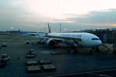 20181118DSCN9943羽田シンガポール航空B777SM