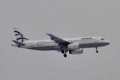 201002151327AEGEAN航空A320-