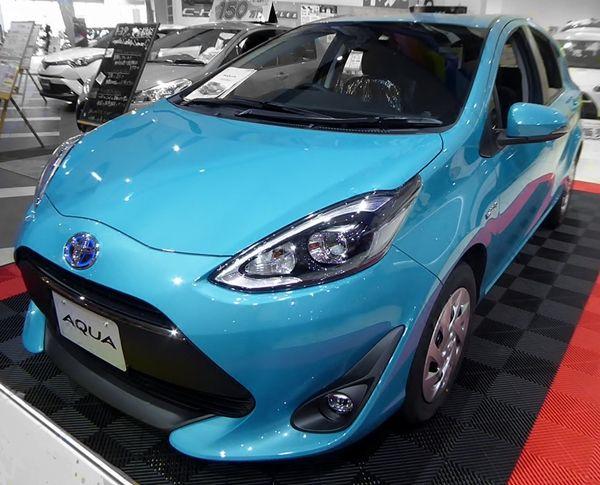 Toyota_AQUA_S_01s