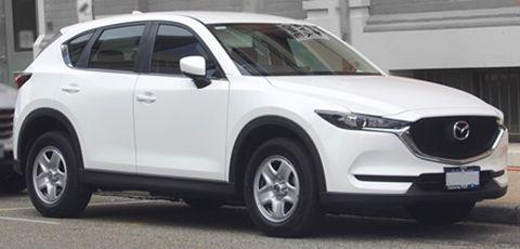 1920px-2017_Mazda_CX-5_(KF)_001s