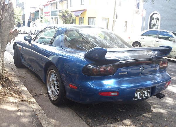 1024px-Mazda_RX-7