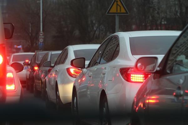 traffic-jam-688566_640