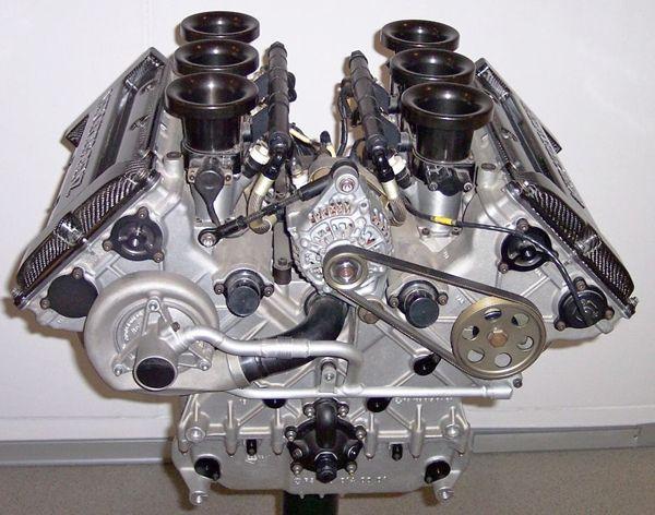 Mercedes_V6_DTM01s