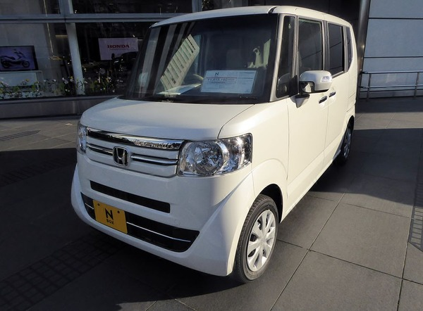 Honda_N-BOX_G・L_Package_(JF1)_front (1)