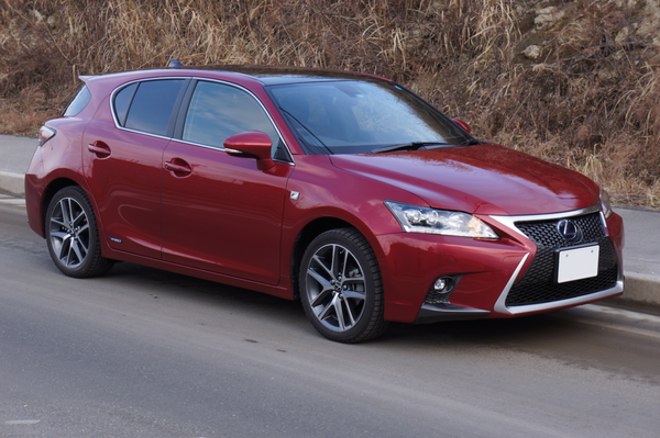 -Lexus_CT200h_Fsport001