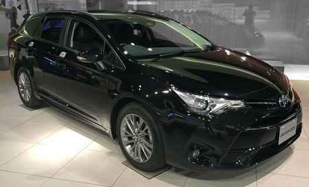_toyota_avensis_001s