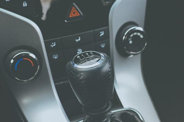 automobile-1839560_960_720