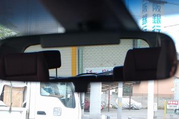 MPV 後方視界