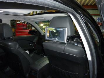 BMW E60 リアモニター
