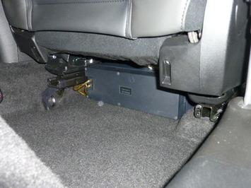 ジュリエッタ 運転席シート下 TBM−SW77