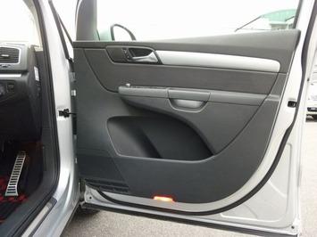 VWシャラン フロントドア