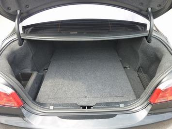 BMW M5 トランク1