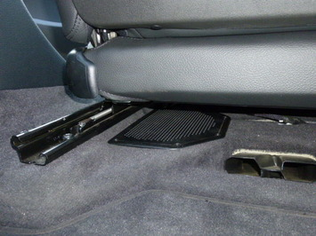 BMW X1 サブウーハー