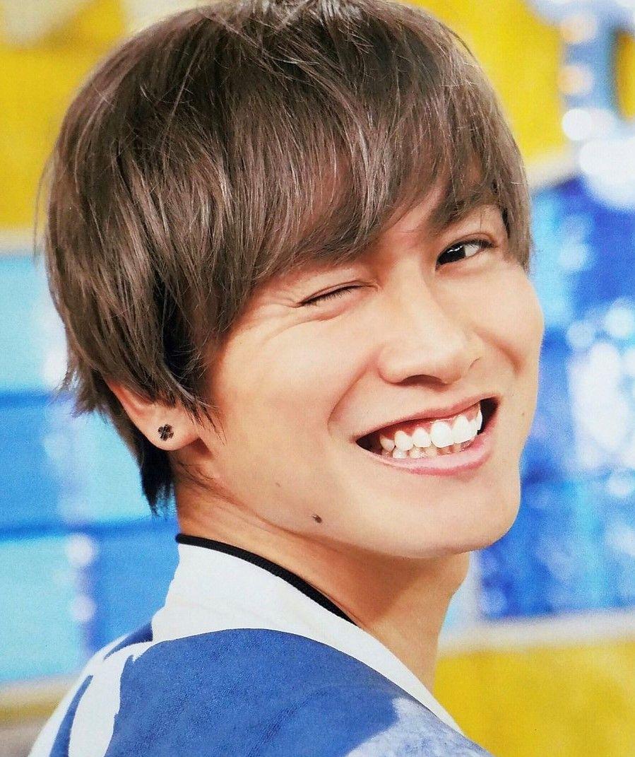 安田章大は自宅で転倒し背中に打撲の症状があり、医師のすすめで欠席した。  https//headlines.yahoo.co.jp/hl?a\u003d20180415,00000050,dal,ent