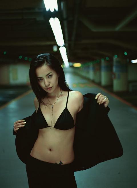 photo62MikaMifune