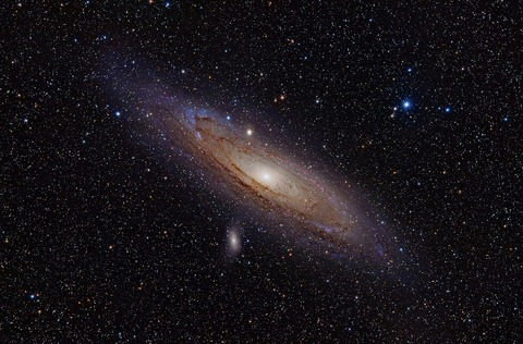 1280px-Andromeda_Galaxy_(with_h-alpha)