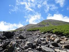 剣が峰への登山道