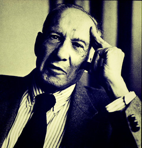 Peter_Drucker_Coach_Library_TV_Fotor