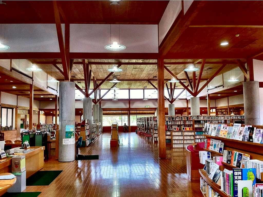 諫早市立森山図書館
