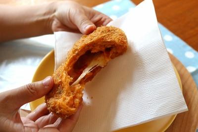 IMG_6891.jpg−2 18・8・31トマトとモッツァレラチーズのパン