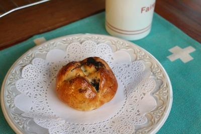 IMG_7025.jpg−2 18・9・26オレオとクリームチーズのパン