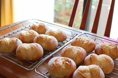 IMG_8208.jpg−2 19・4・7メープルシロップとバターの丸パン