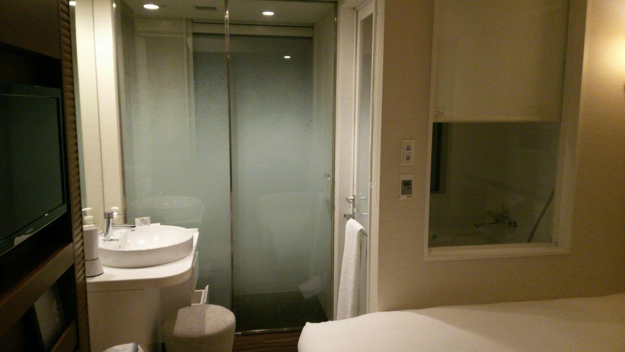 ホテルのウリはトイレとお風呂 ...