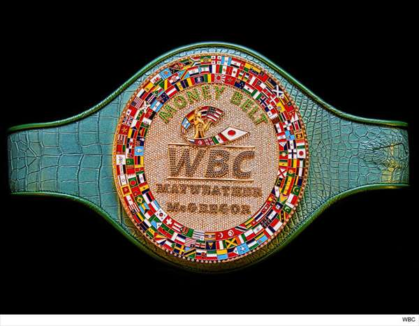 0823-conor-mcgregor-floyd-mayweather-money-belt-wbc-4_R