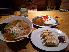 渋谷ハイカラ食堂 しょうゆラーメンミニカレーセット