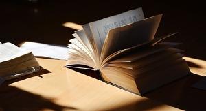 book-2265490_640
